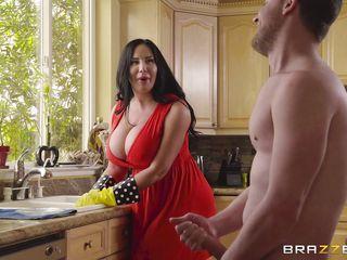 Порно бдсм большая грудь